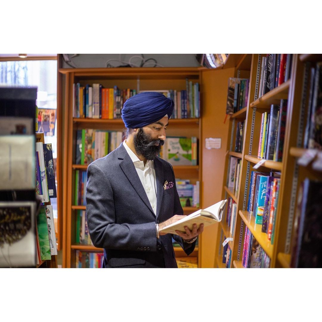 Can't wait for book stores to open up again, I love amazon prime, but the feeling of browsing books hits right in the feels.  #knowledgeispower #books #realtor #realestate #power #home #reading #langley #cloverdale #surrey #vancouver #buy #sell #hotmarket #frontlineworkers #singh