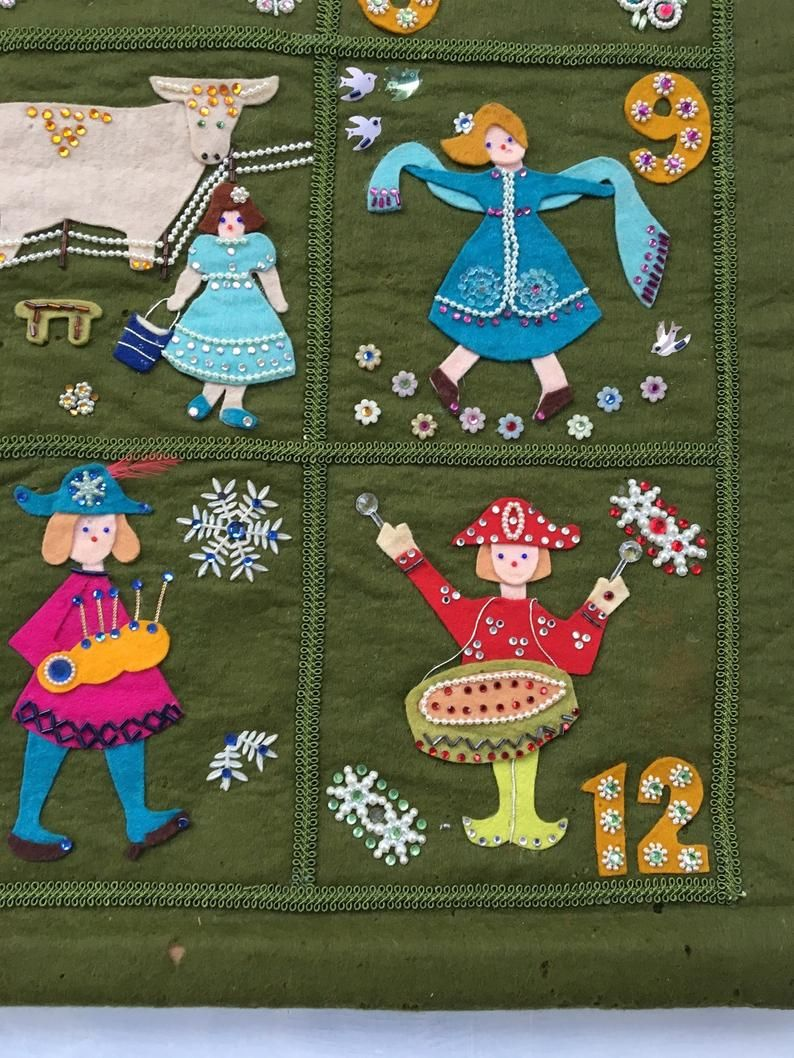Vintage Christmas Felt Wall Hanging 12 Days Of Christmas Felt Etsy In 2020 Felt Wall Hanging Fiber Wall Art Wall Hanging