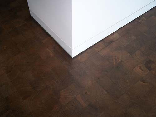 FLOOR  http://www.kaswell.com/woodblock/projects/images/std-white-oak-directv-1.jpg