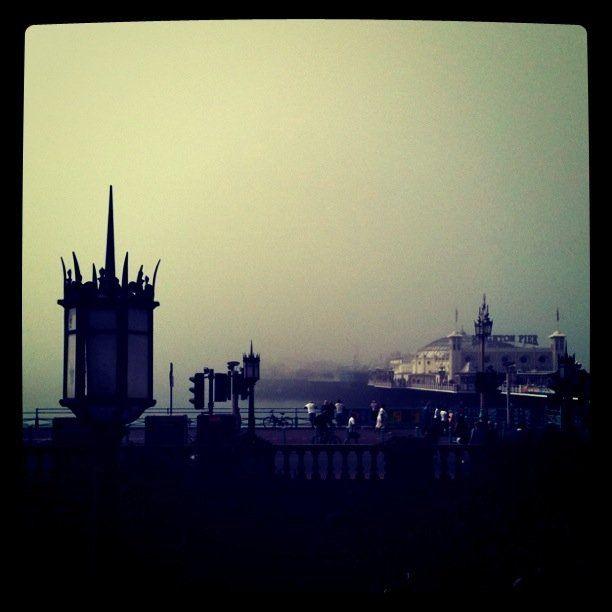 misty morning in Brighton. Photo by dochimichi.