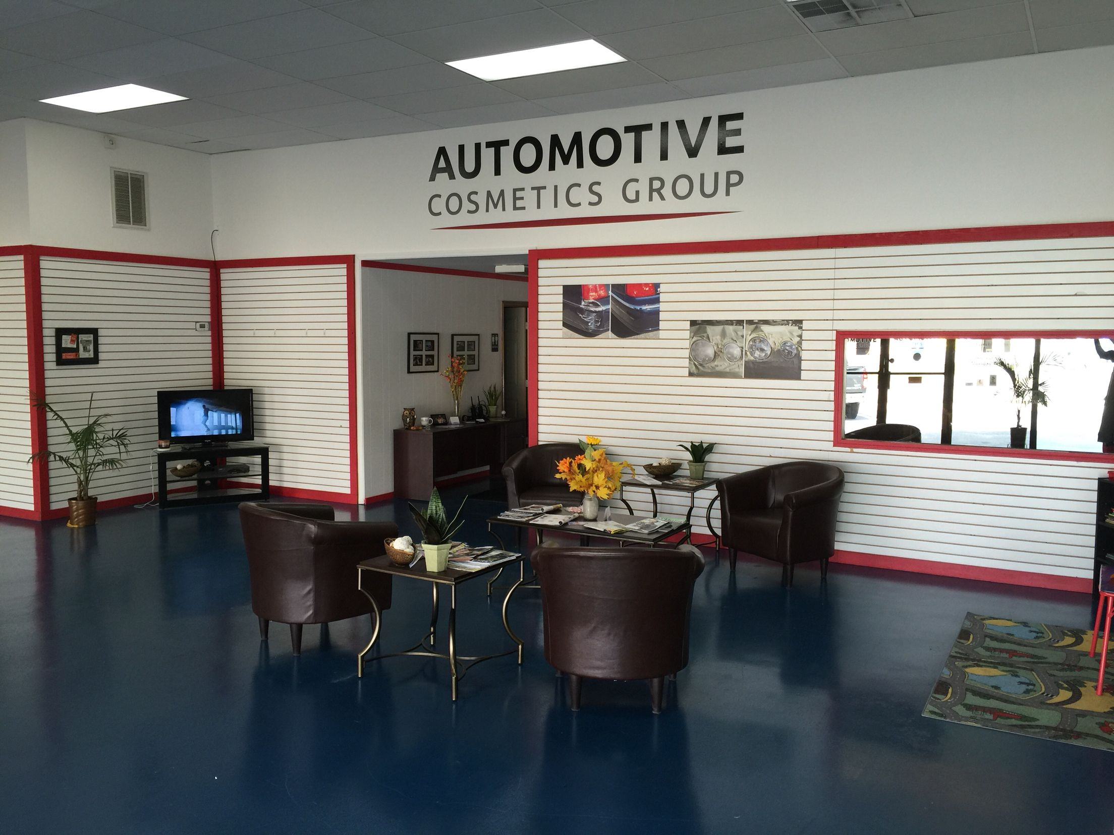Inside Show Room Of Automotive Cosmetics Group Service Center Waiting Area Tv Showroom Waitingarea Waiting Area Automotive Shops Room