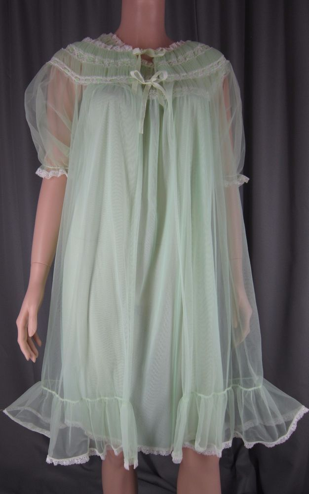 d44e5f48a1e Vintage Sheer Chiffon Peignoir and Nightgown Set Mint Green Ruching Lace  Details