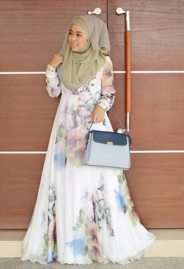 47eee3197054 Check our new board where we added snaps of your styles wearing Annah Hariri.  Modest online wear, modern abayas, sport abaya and more! www.annahariri.com