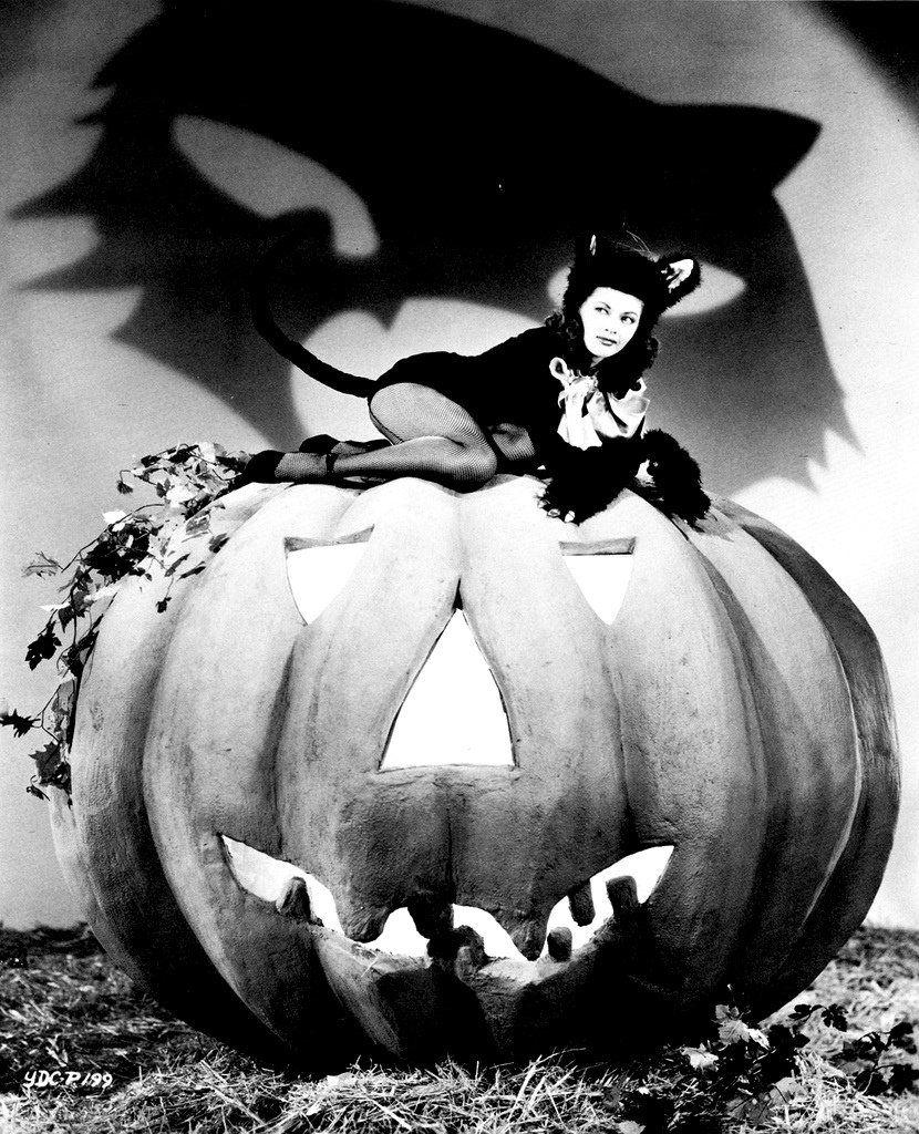 old halloween | vintage halloween pin up | old time halloween