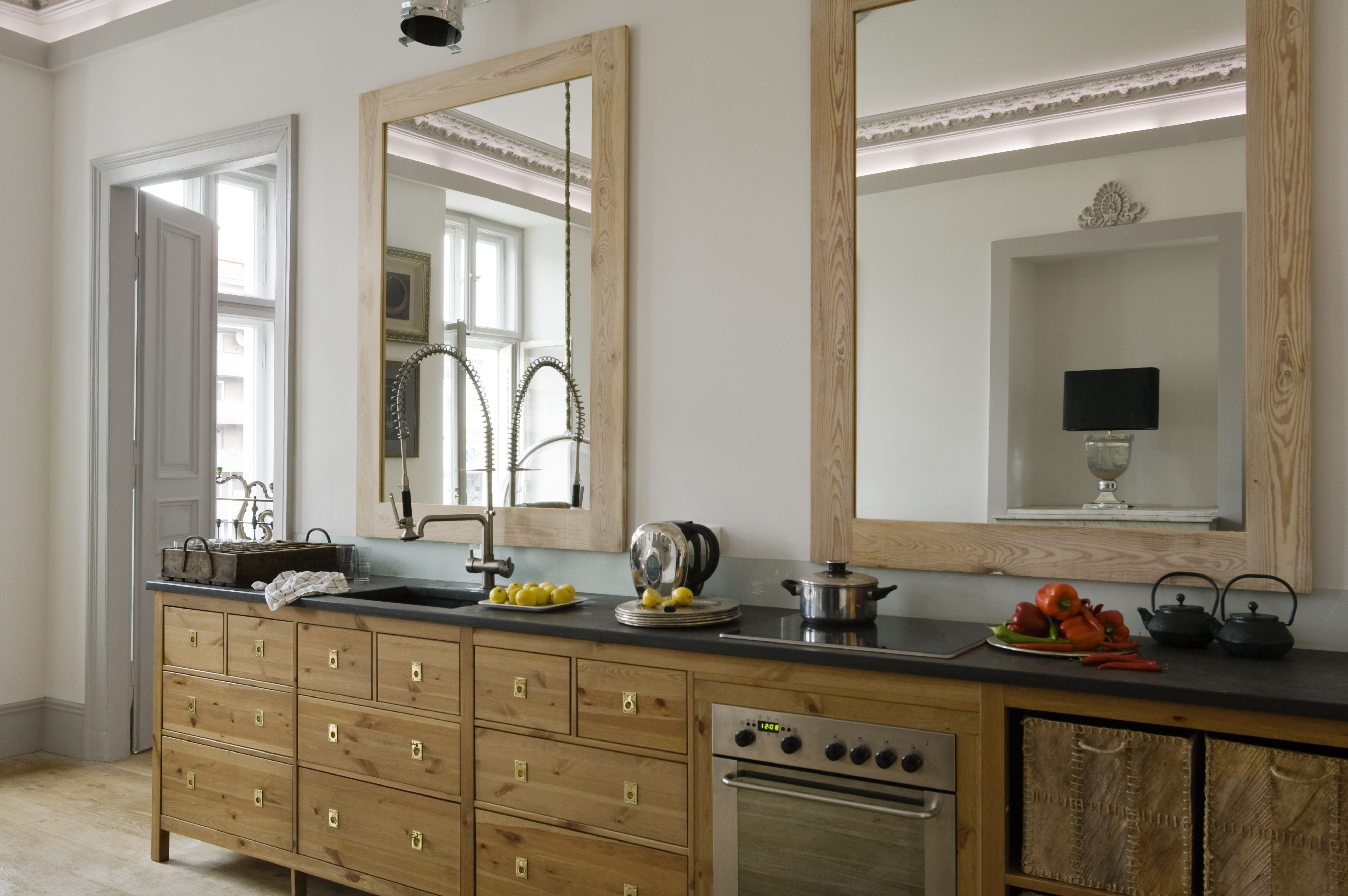Feng Shui Of A Mirror Behind The Kitchen Stove Kitchen Decor Mirror Backsplash Kitchen Kitchen Stove