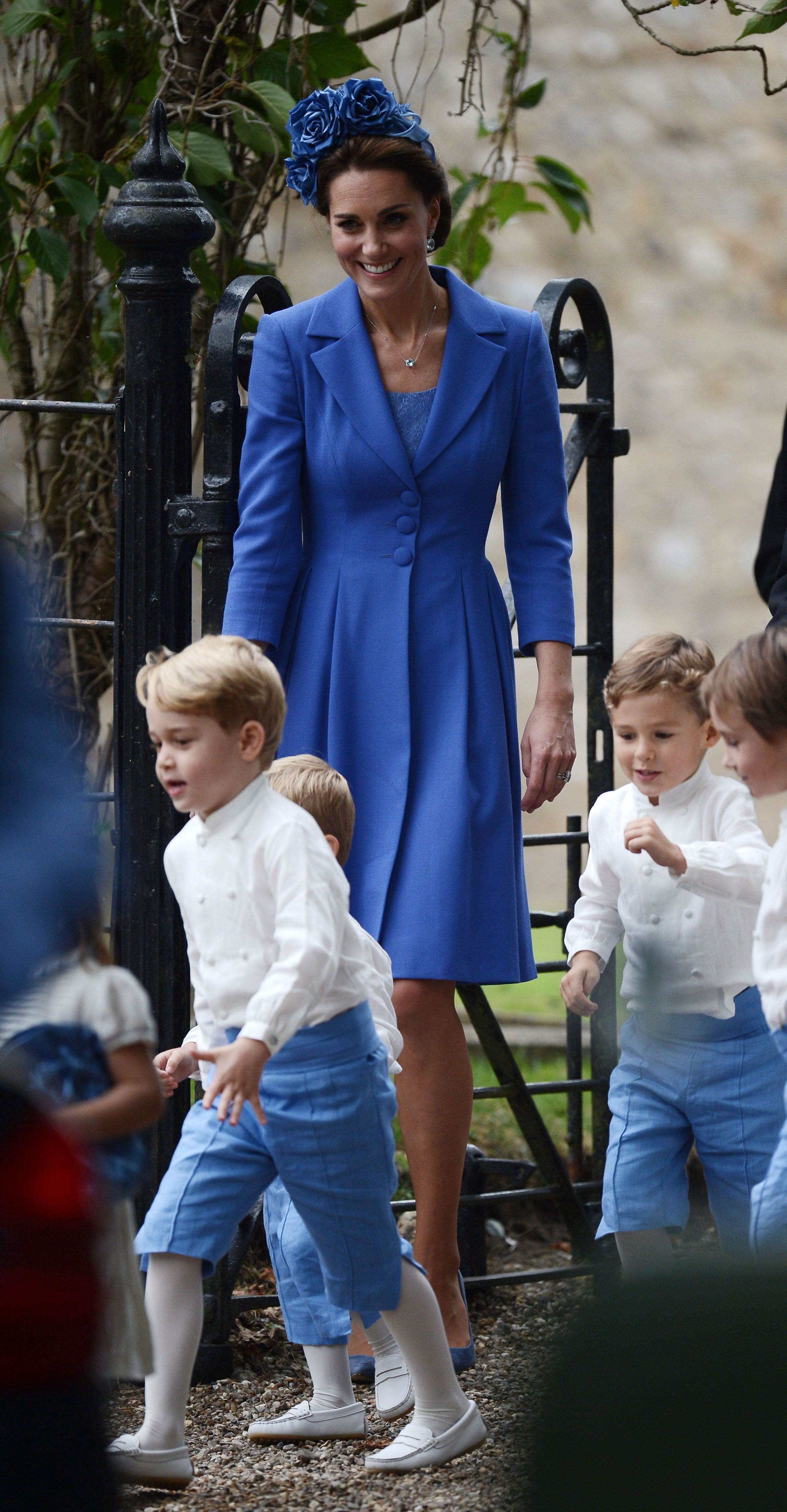 photo Kate Middleton, Still Pregnant, Goes on Adorable Playdate with Prince George