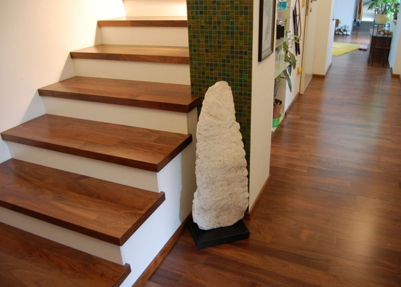 Escaleras con escalones de madera buscar con google hall de entrada pinterest escalones - Escaleras de madera modernas ...