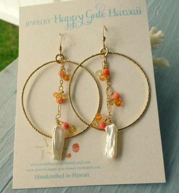 Handcrafted in Hawaii with Aloha!    (Material)  +Gold filled pattered hoop(1.5)  +Freshwater keishi pearl stick  +Orange coral  +Yellow