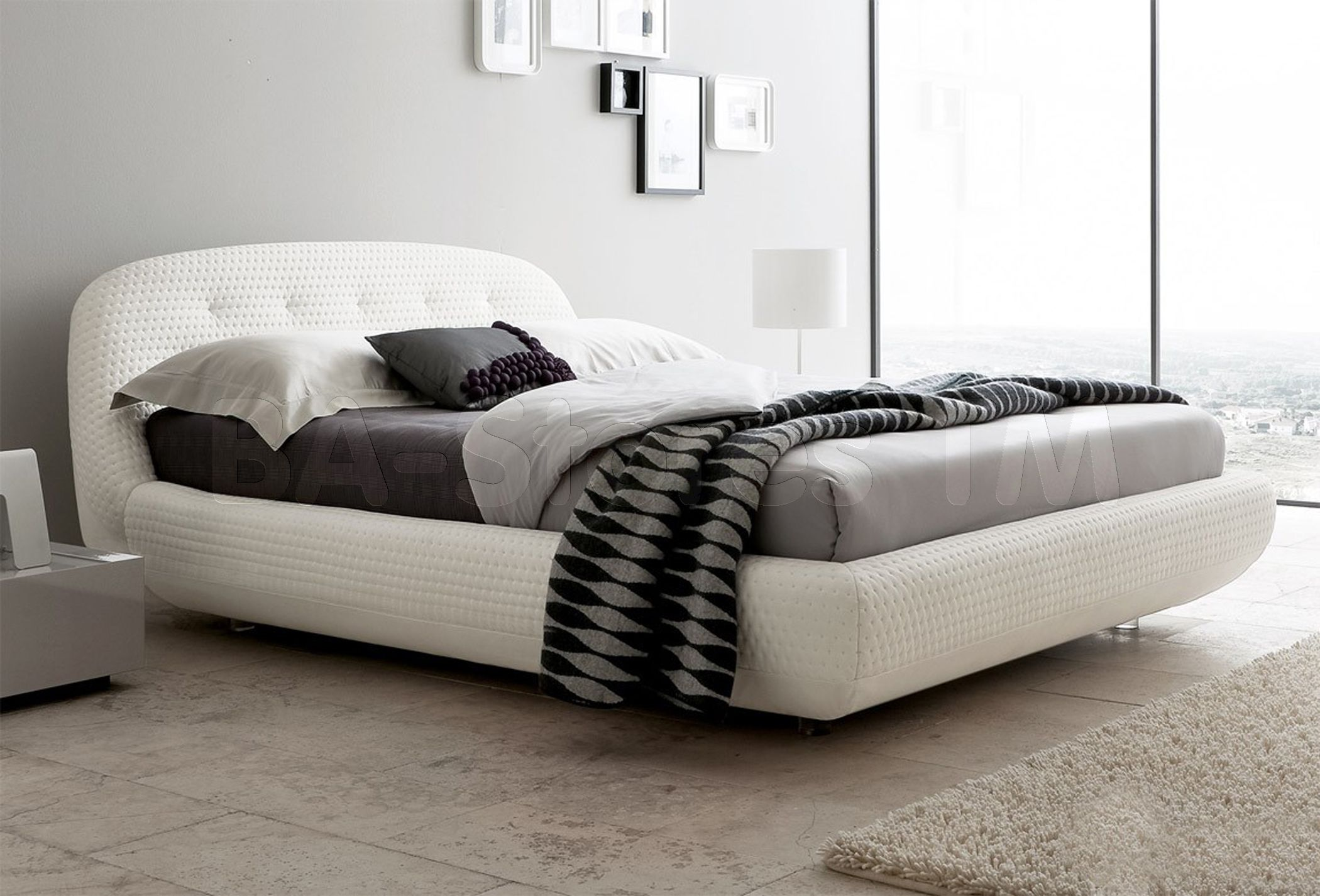 Rossetto USA Eclipse Platform Bed in White by Rosetto