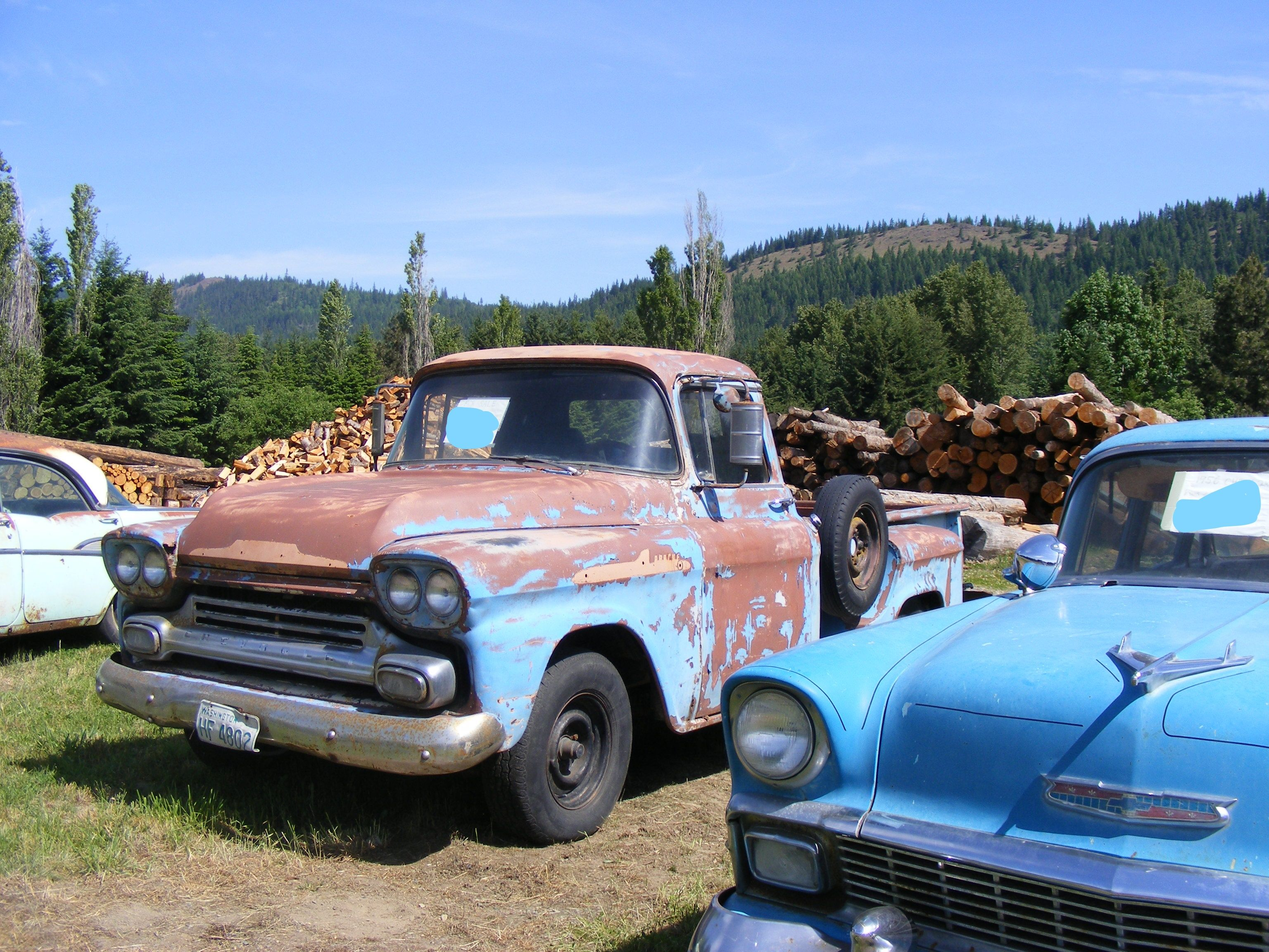 For Sale classic old cars Trucks @ I90 Easton/Cle Elum WA 47°12.2378 ...