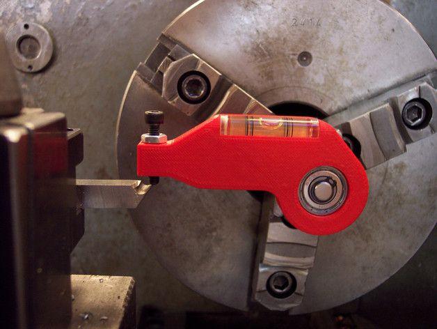 how to work on cnc lathe machine