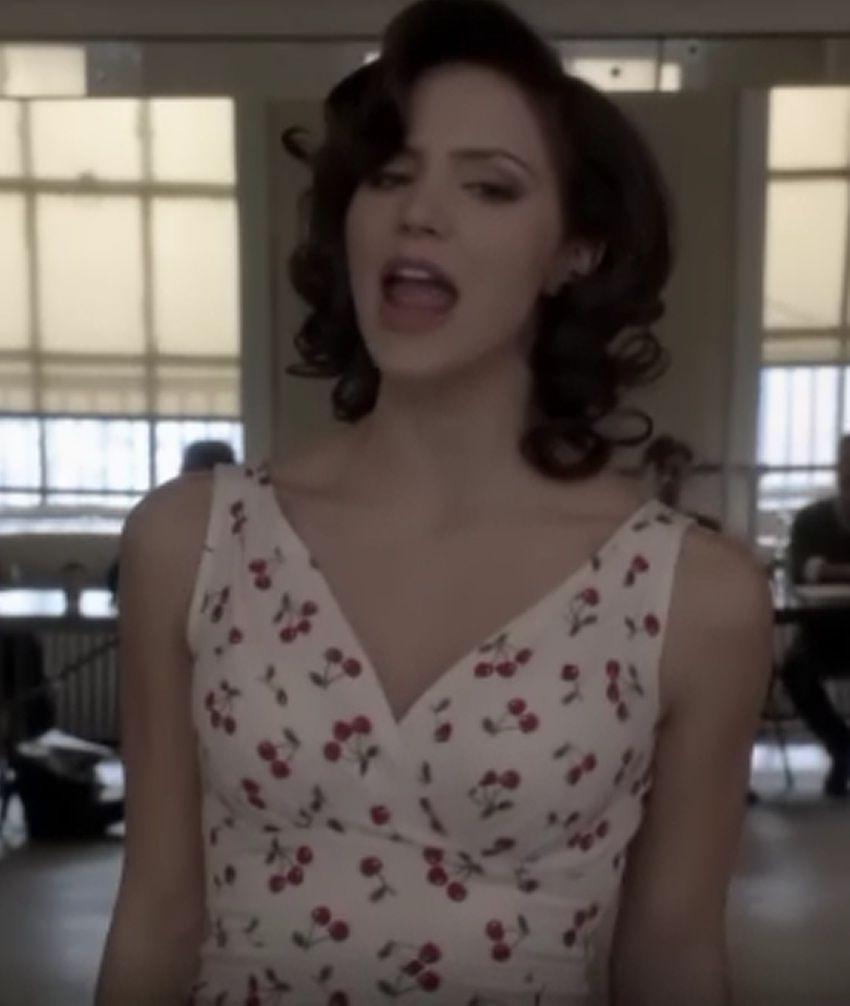 Cherry dress in Smash. I love Katherine McPhee.