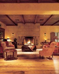 Lobby of the Bernardus Lodge
