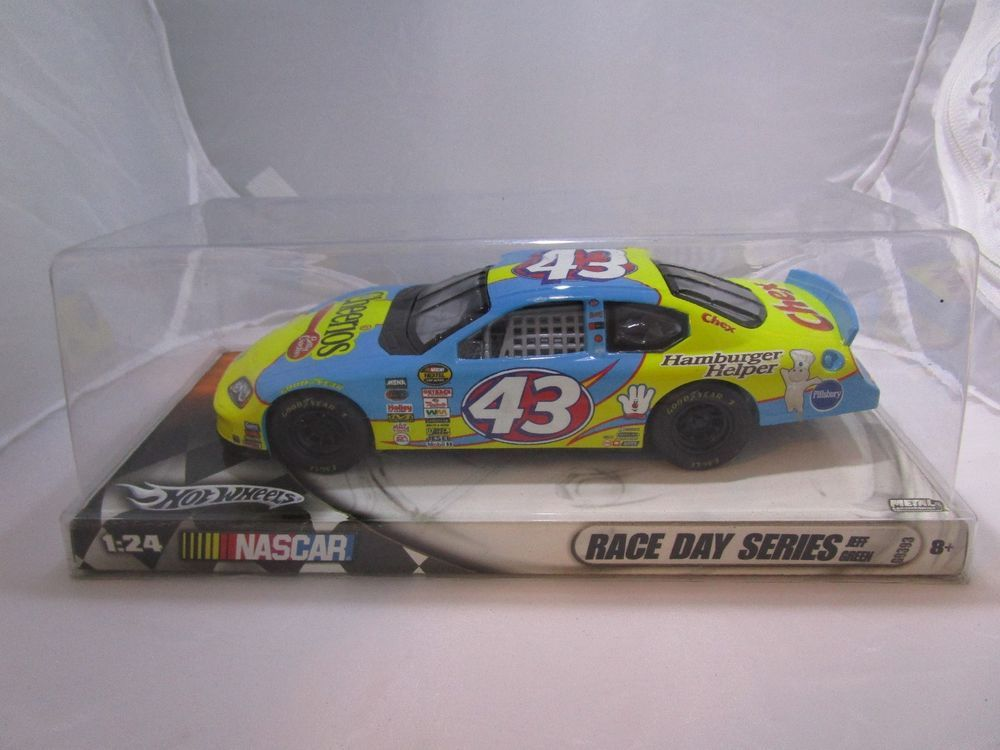 1 24 Scale Hot Wheels 2005 Nascar 43 Jeff Green Dodge Charger