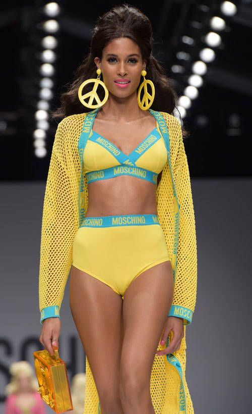 Moschino: Barbie catwalk