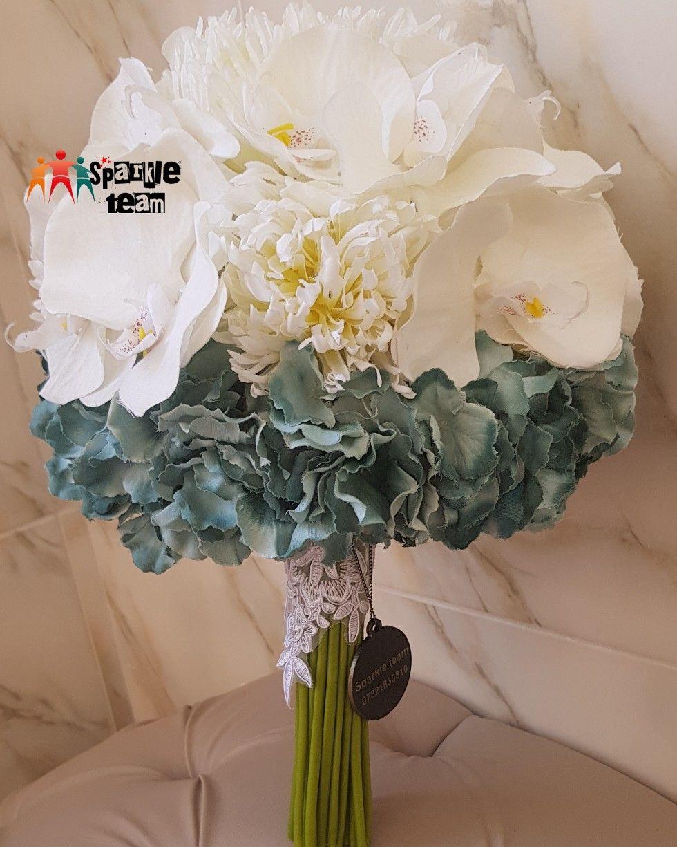 مسكه زفاف الاوركيد اوف وايت مخملي وقرطاس مخملي Birthday Photos Decor Glass Vase