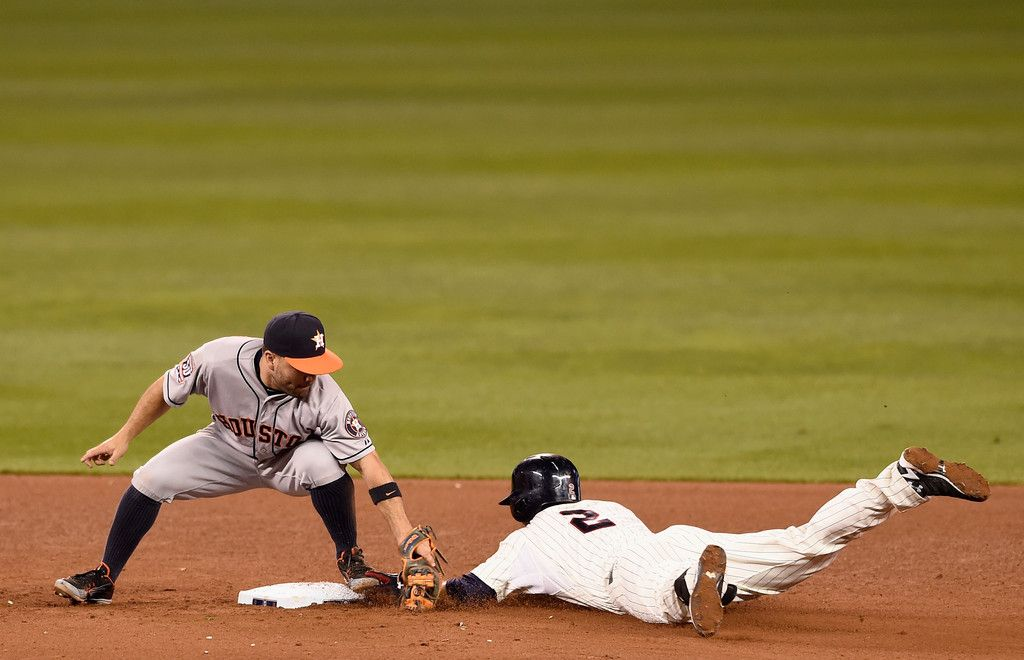 Jose Altuve Photos Photos Houston Astros V Minnesota Twins With Images Minnesota Twins Baseball Minnesota Twins Houston Astros