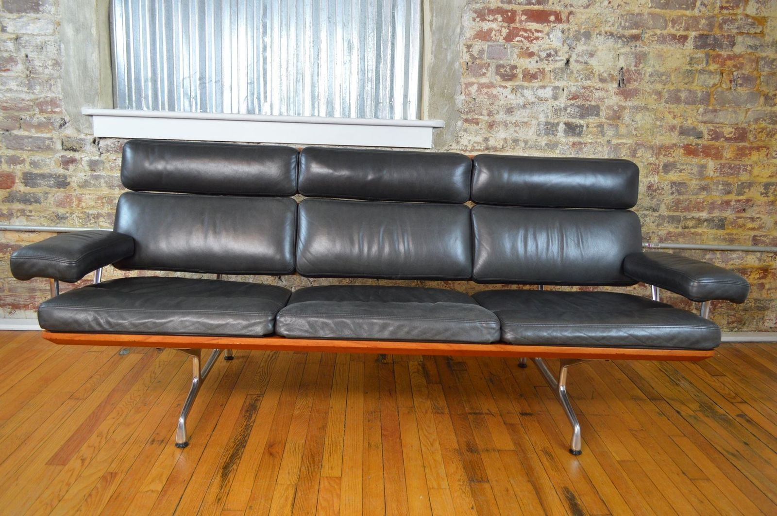 Charles Ray Eames For Herman Miller Three Seat Mid Century Modern Sofa In Teak Mid Century Modern Sofa Modern Sofa Sofa