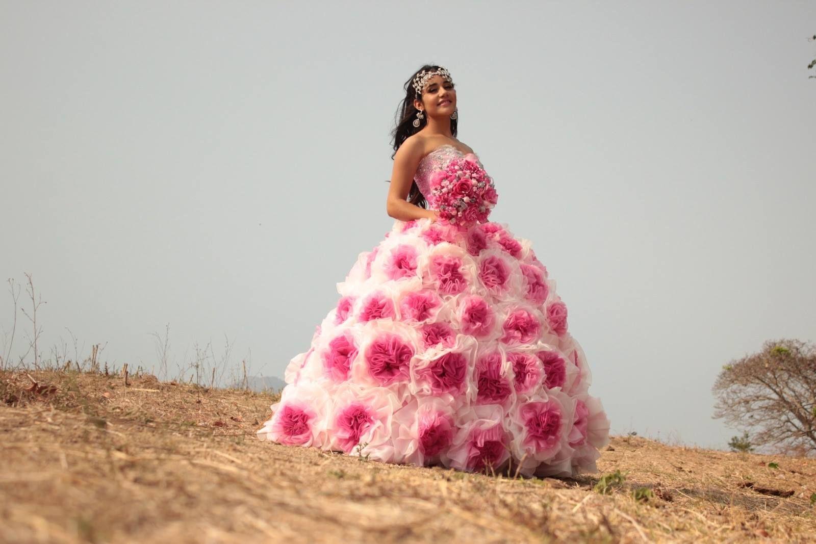 Vestido #PacoMayorga Claudia Alejandra Ovando Moguel con diseño en ...