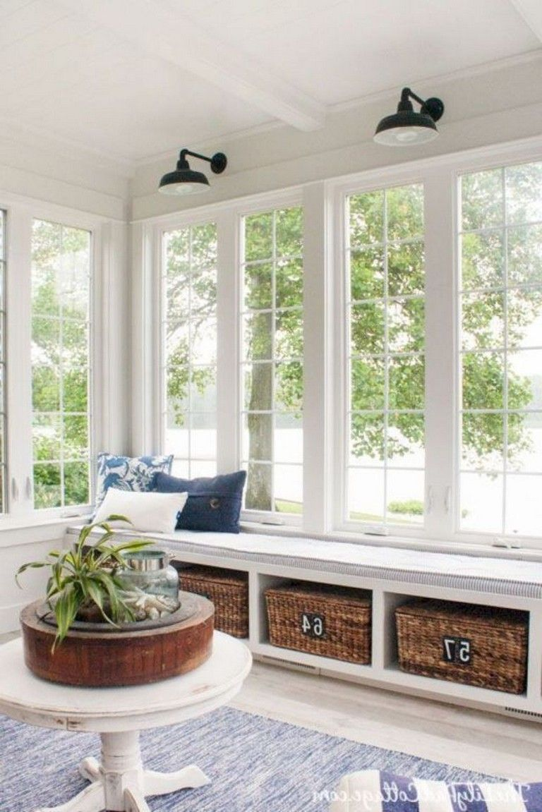 10+ Amazing Farmhouse Sunroom Makeover Ideas | Sunroom dining ...
