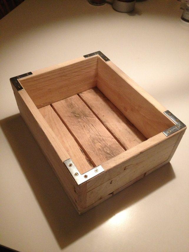 Wooden pallet box £15.00 | Proyectos de madera diy, Palet ...