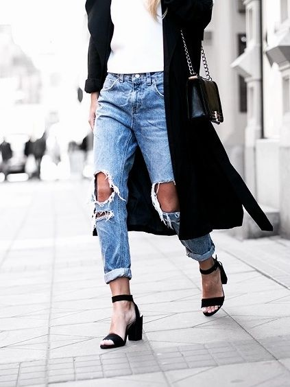 cfec8ab45436 Shredded Knees Jeans Style