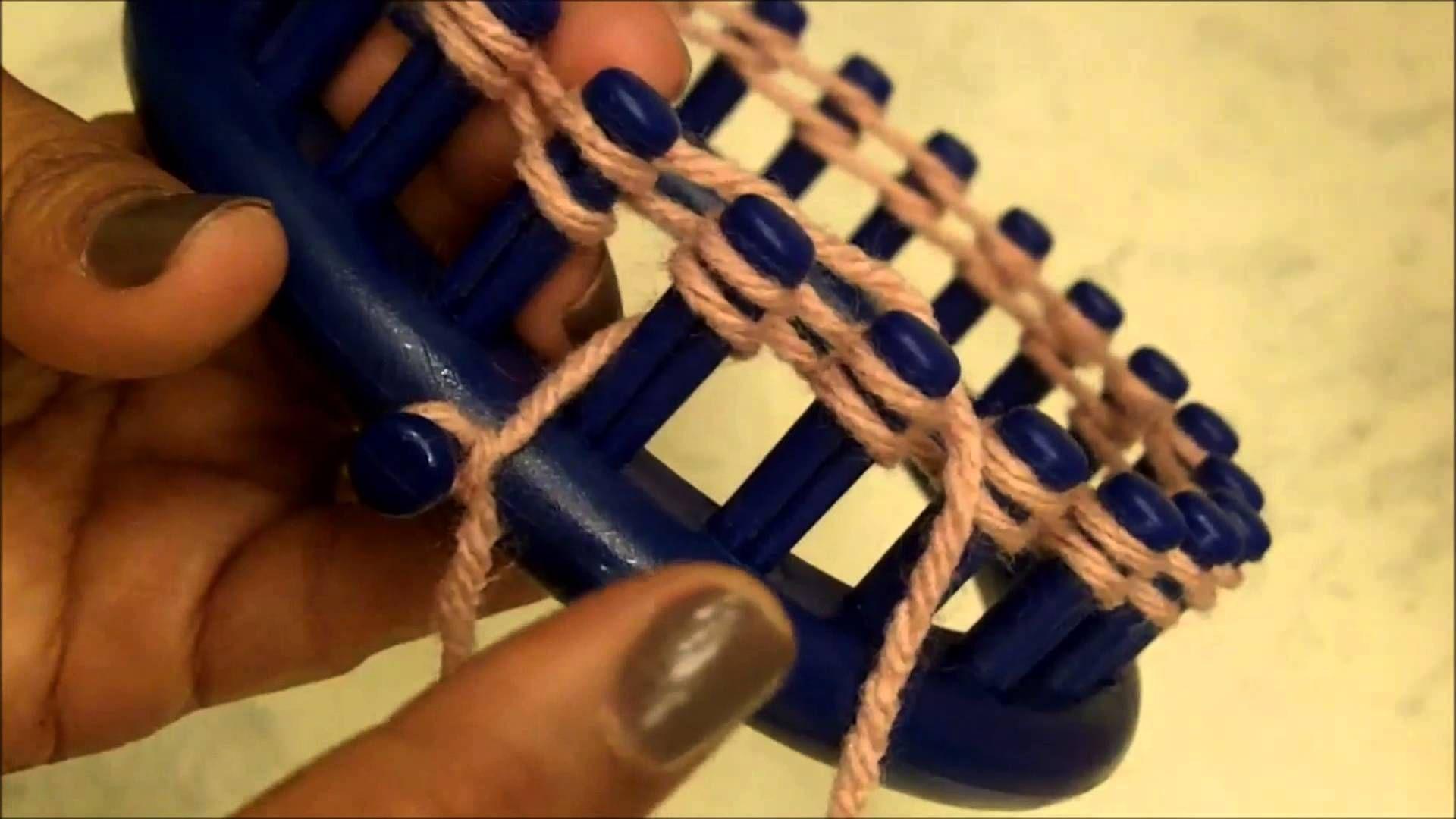 Loom Knitting for Beginners. Basic loom knitting on a
