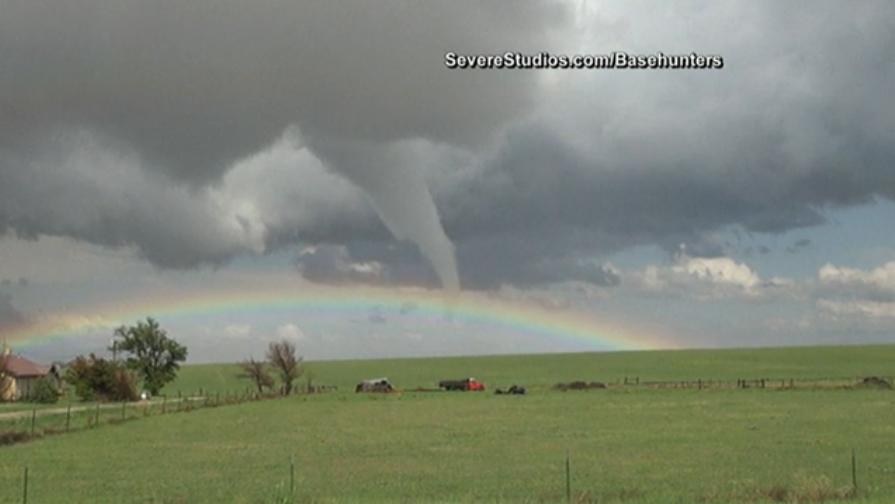 Next Stop Oz Watch As Rainbow Meets Tornado In Colorado Rainbow Over The Rainbow Colorado