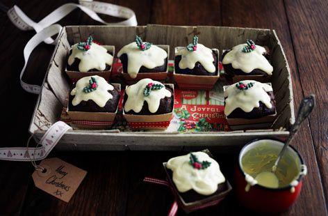 {Christmas Nosh} Mini Christmas pud muffins recipe via @TescoRealFood