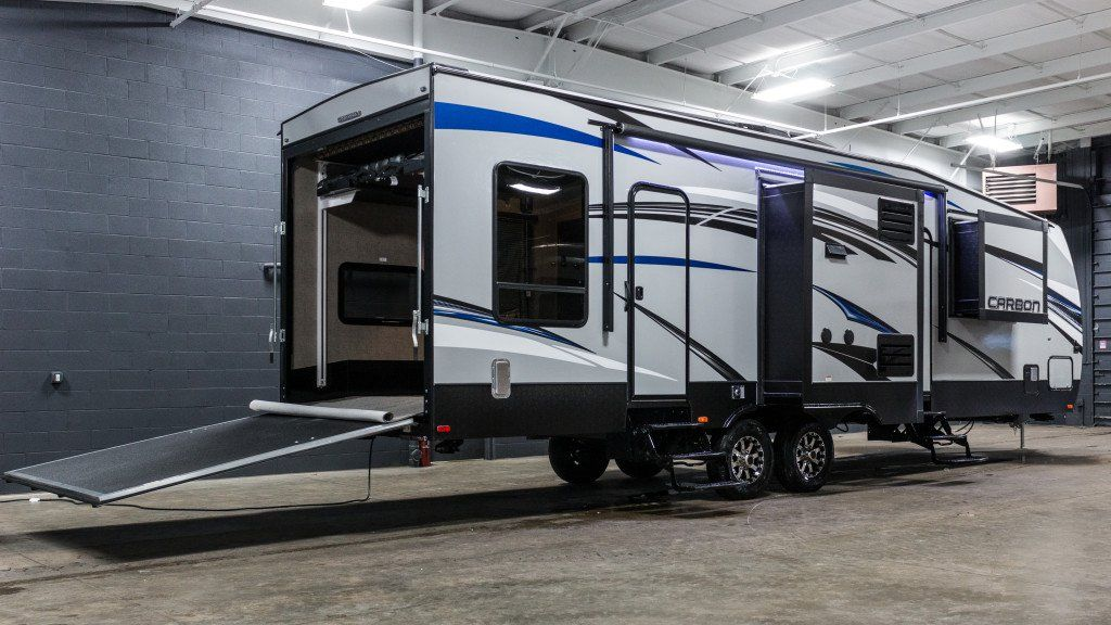 Epic toy hauler 2016 keystone carbon 33 this travel