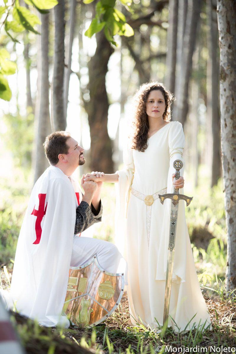 Casamento Medieval Mariana & Antenor. Os noivos são fãs de George ...