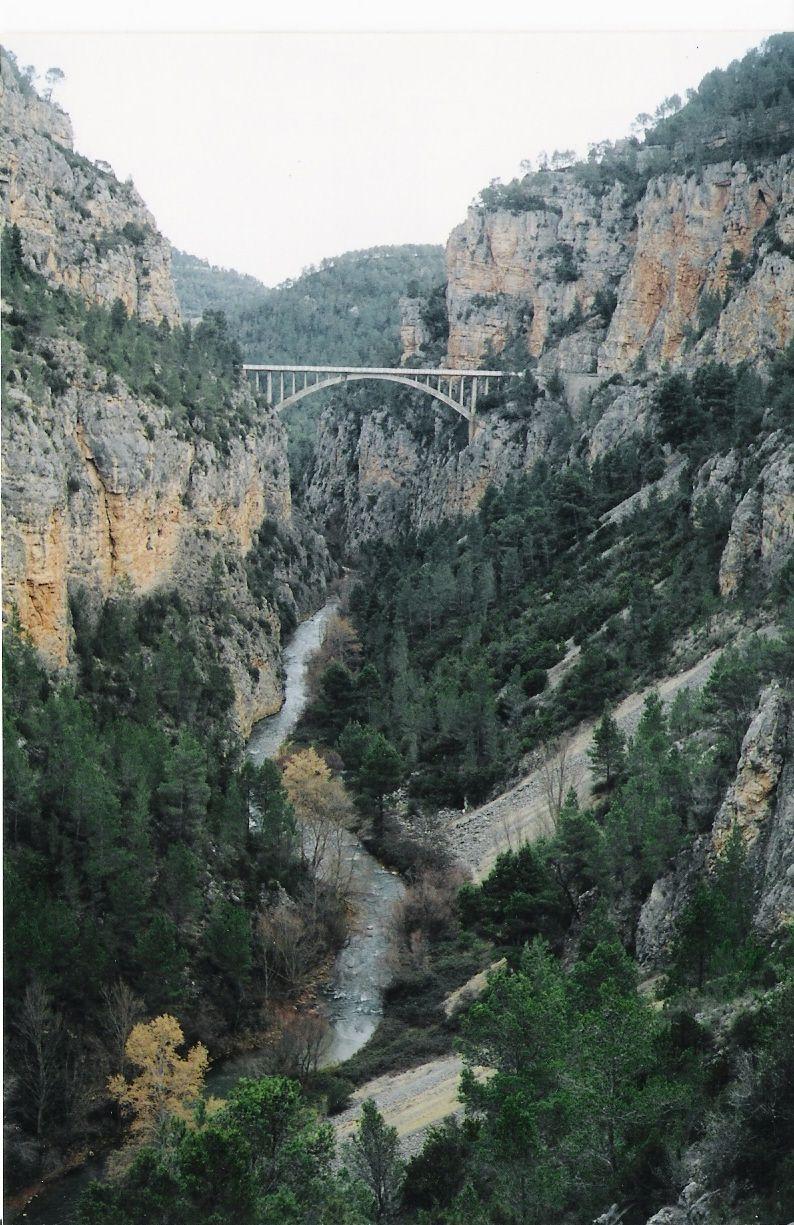 Santa Cruz de Moya | Santa cruz, Paisajes, Puentes