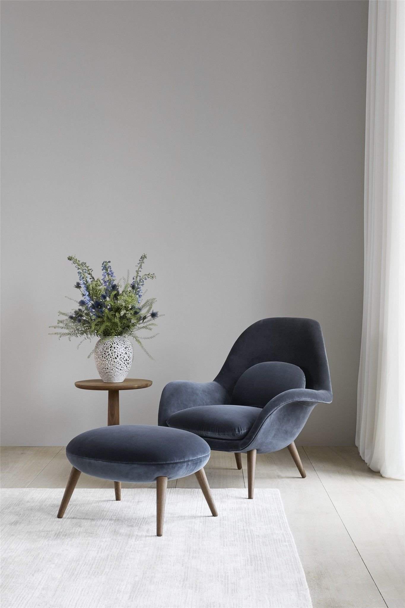 Fredericia Swoon Lounge Chair Mid Century Modern Lounge Chair In 2021 Lounge Chairs Living Room Swoon Lounge Chair Fredericia Furniture