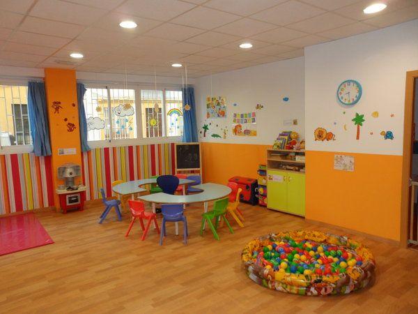 Decoracion de guarderias infantiles buscar con google for Casas para jardin infantil
