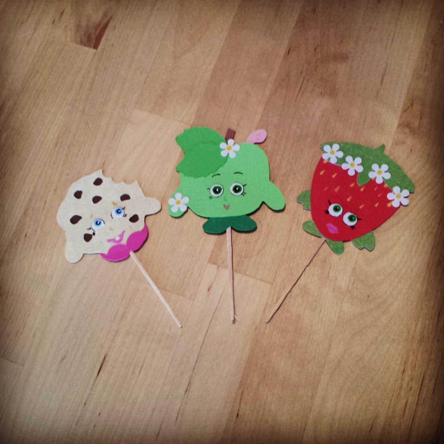 Shopkins cupcake toppers using Cricut craft room Scrapbook
