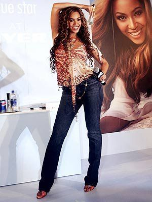, Beyoncé Wore So Many Amazing Outfits in 2018, We're Breaking a Sweat Trying to Keep Up, My Pop Star Kda Blog, My Pop Star Kda Blog