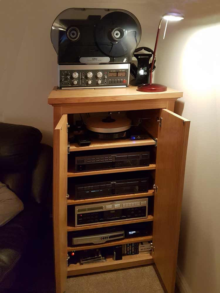 Bespoke Av Oak Cabinet With Vintage Turntable Reel To Hifi
