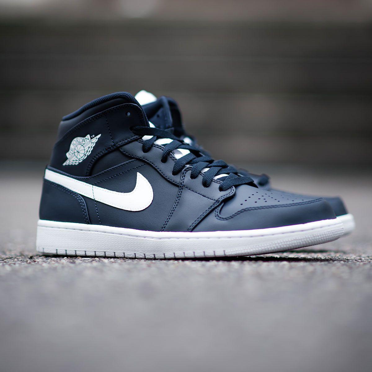 Yankees colors on the Air Jordan 1, that's a perfect match