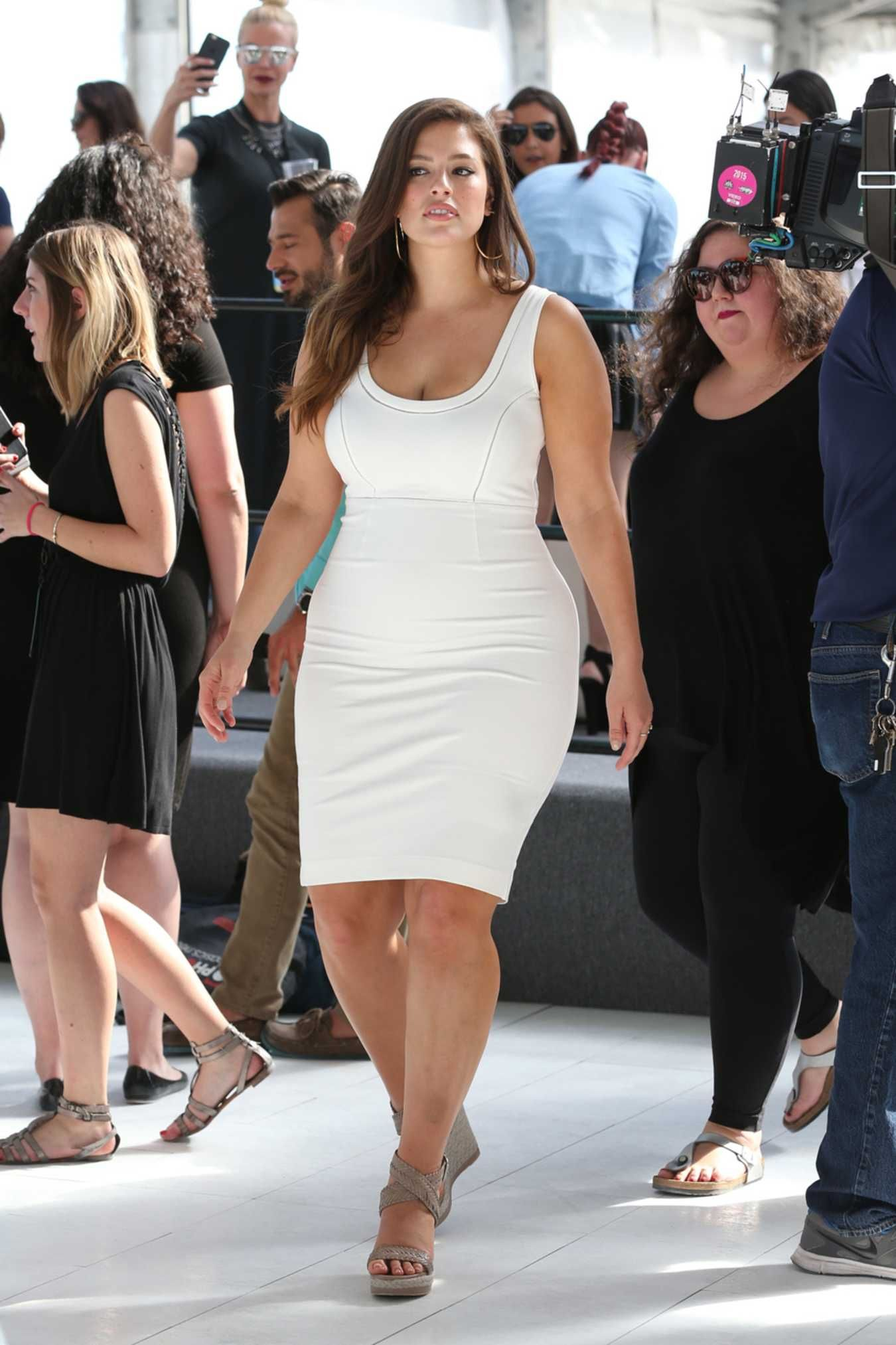 29ed9179823 A Week in Her Style  Ashley Graham. Proving once again that size shouldn t  determine your style.