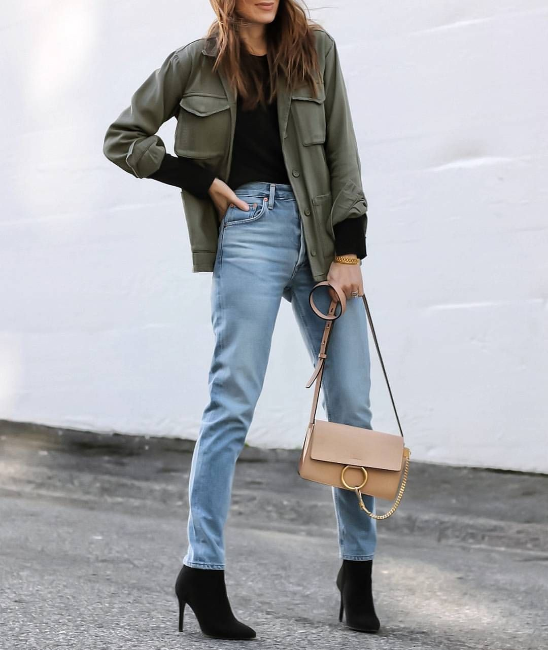 """1,237 Likes, 90 Comments - Cedar Atkins (@theedgeoflovely) on Instagram: """"Olive and blush and the denim that's currently at the top of the pile! #ootd 💥Shop it here -…"""""""