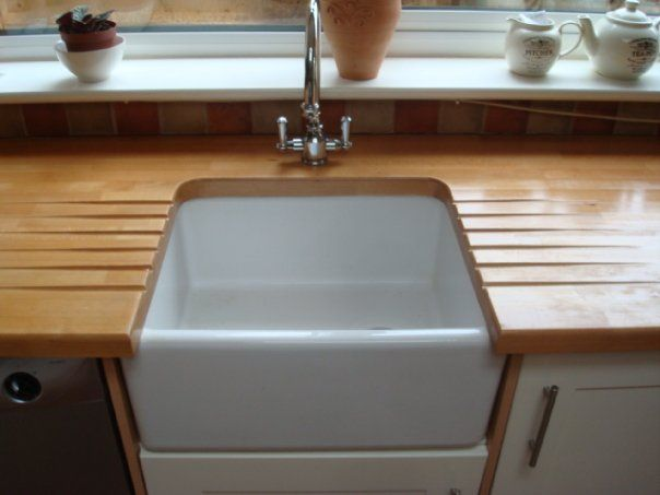 Butler style sink with draining grooves in real wood worktops decor pinterest real wood - Butler kitchen sinks ...