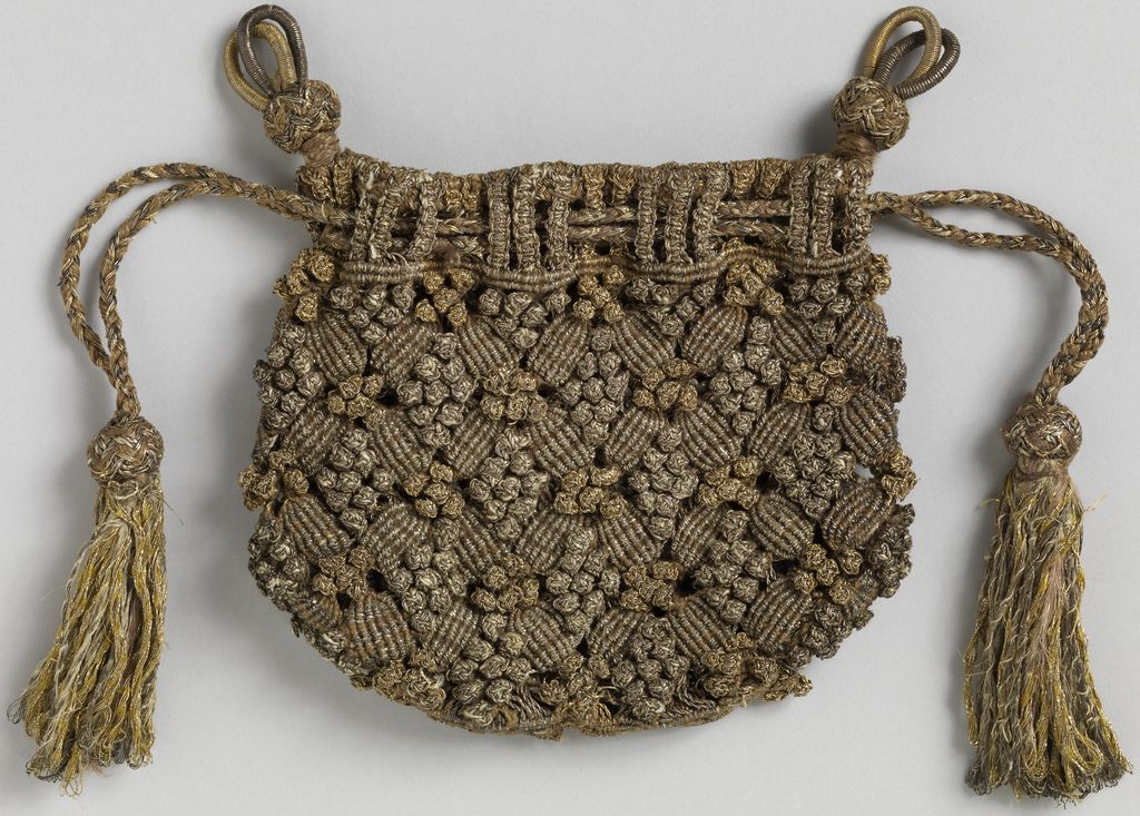 Unlined drawstring bag with two different macrame knots used to ...