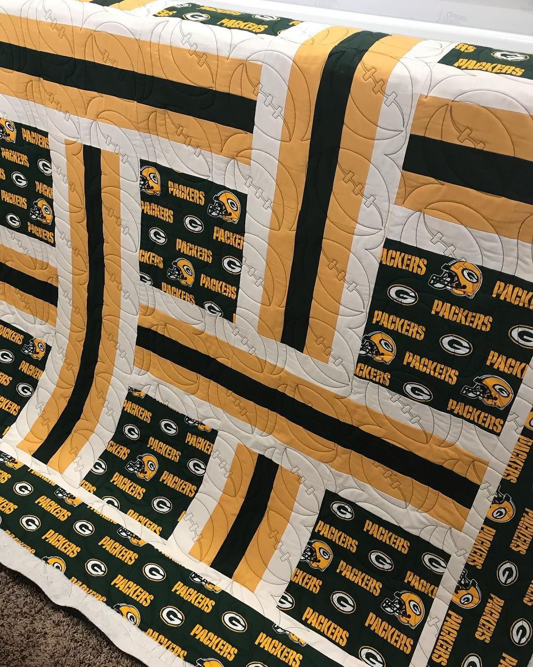 Look How Fun This Packers Quilt Is This Football Quilting Pattern Is So Awesome Thanks Tina For Letting Me Quilt Quilts Sports Quilts Quilt Patterns