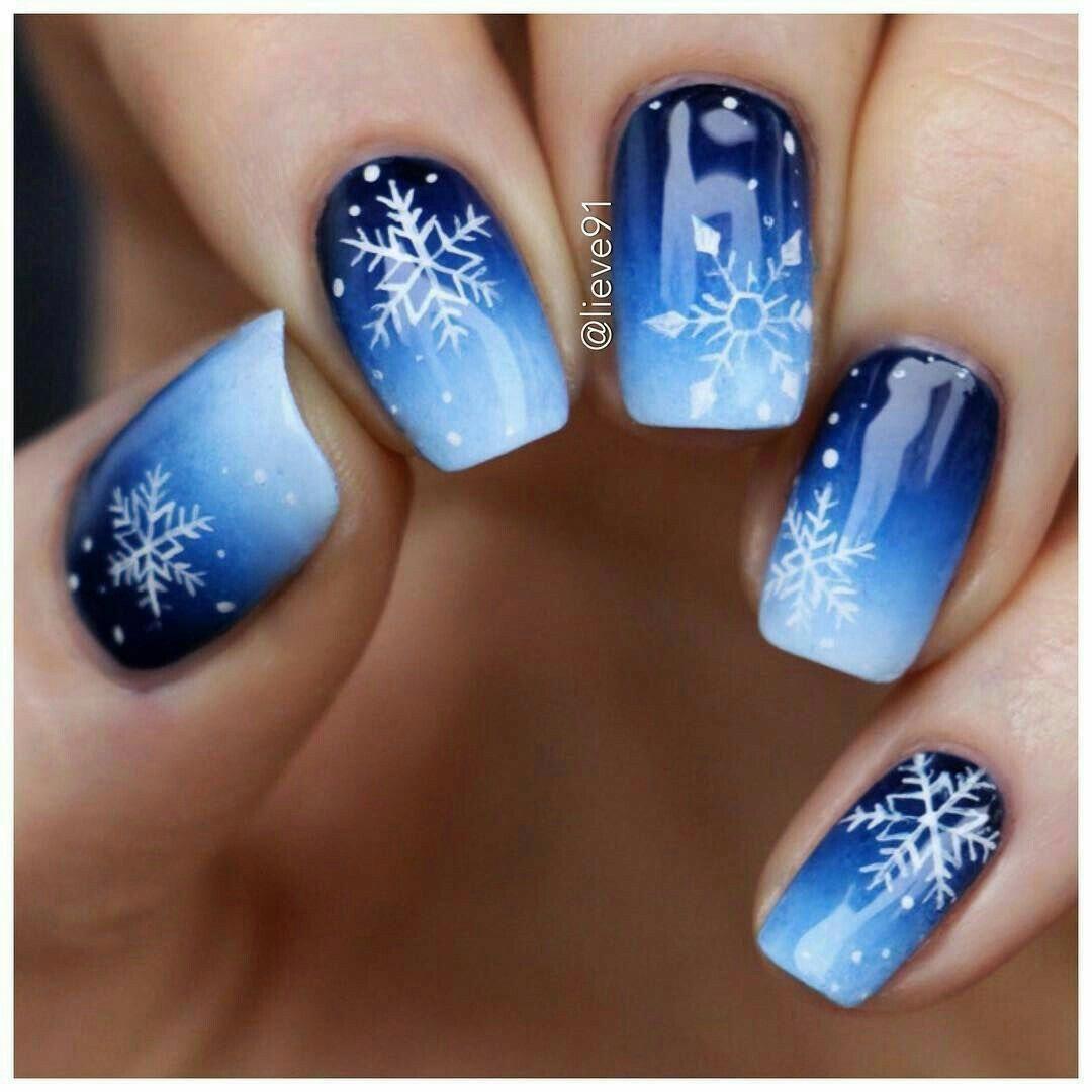 Christmas Snowflakes 20+ DIY Christmas Nail Art Ideas