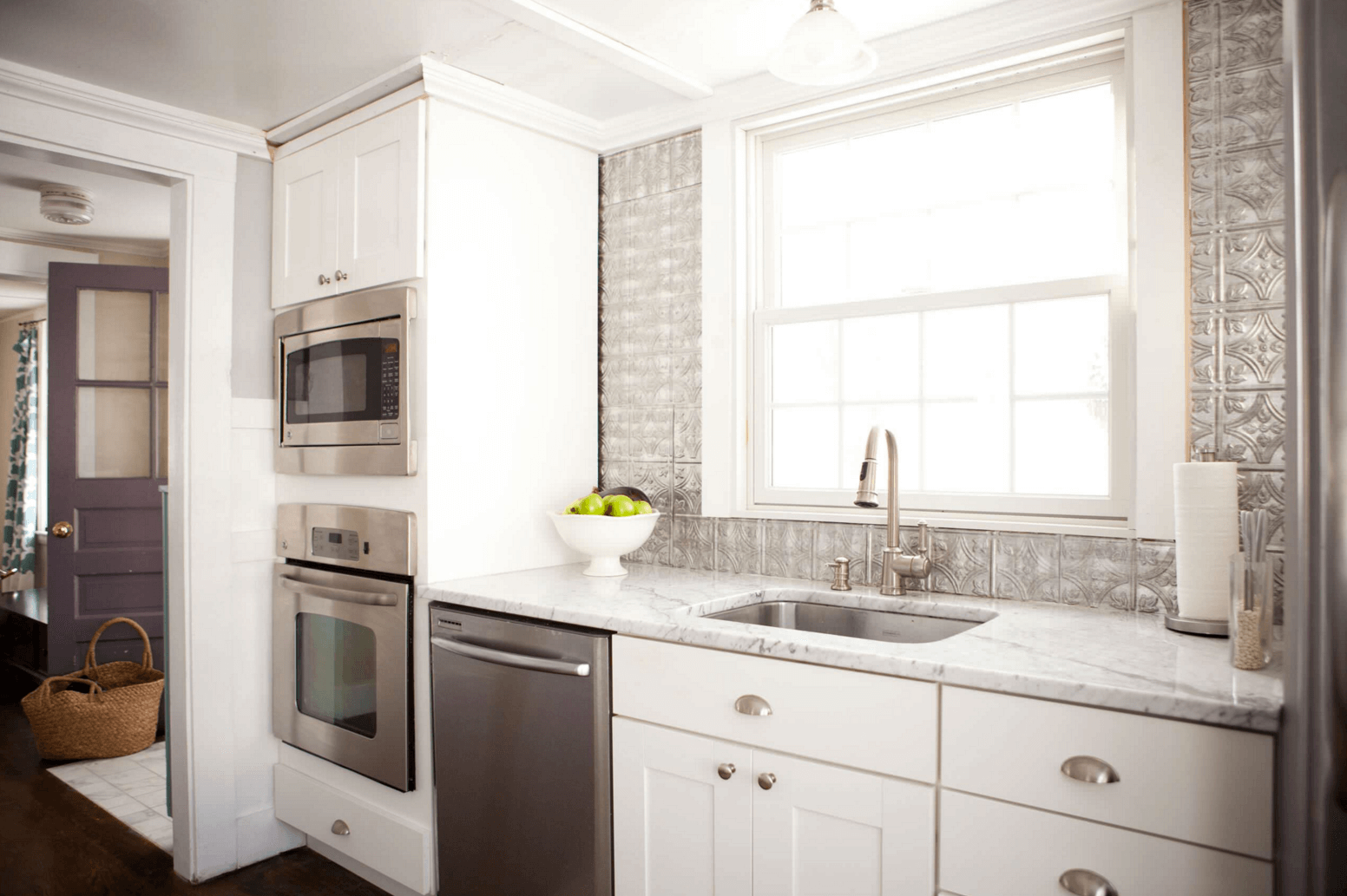 - 5 Ways To Redo Kitchen Backsplash (Without Tearing It Out) (With