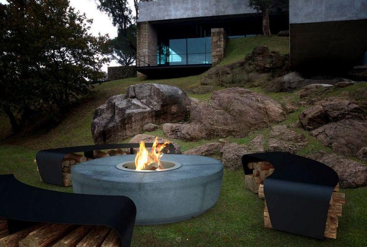 Feuerstelle im Garten -sitzplatz-gund-sichtbeton-sitzmoeglichkeiten - feuerstelle im garten gestalten