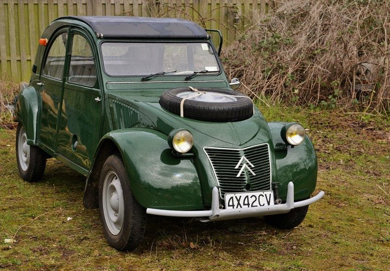 https://flic.kr/p/rTqLqD | 2cv 4x4... | Citroën 2cv Sahara 4x4 1964. This one is a Spanish built one with production number 00001. Ex-Guardia Civil. More about this double engined 2cv, see the next issue of CitroExpert.