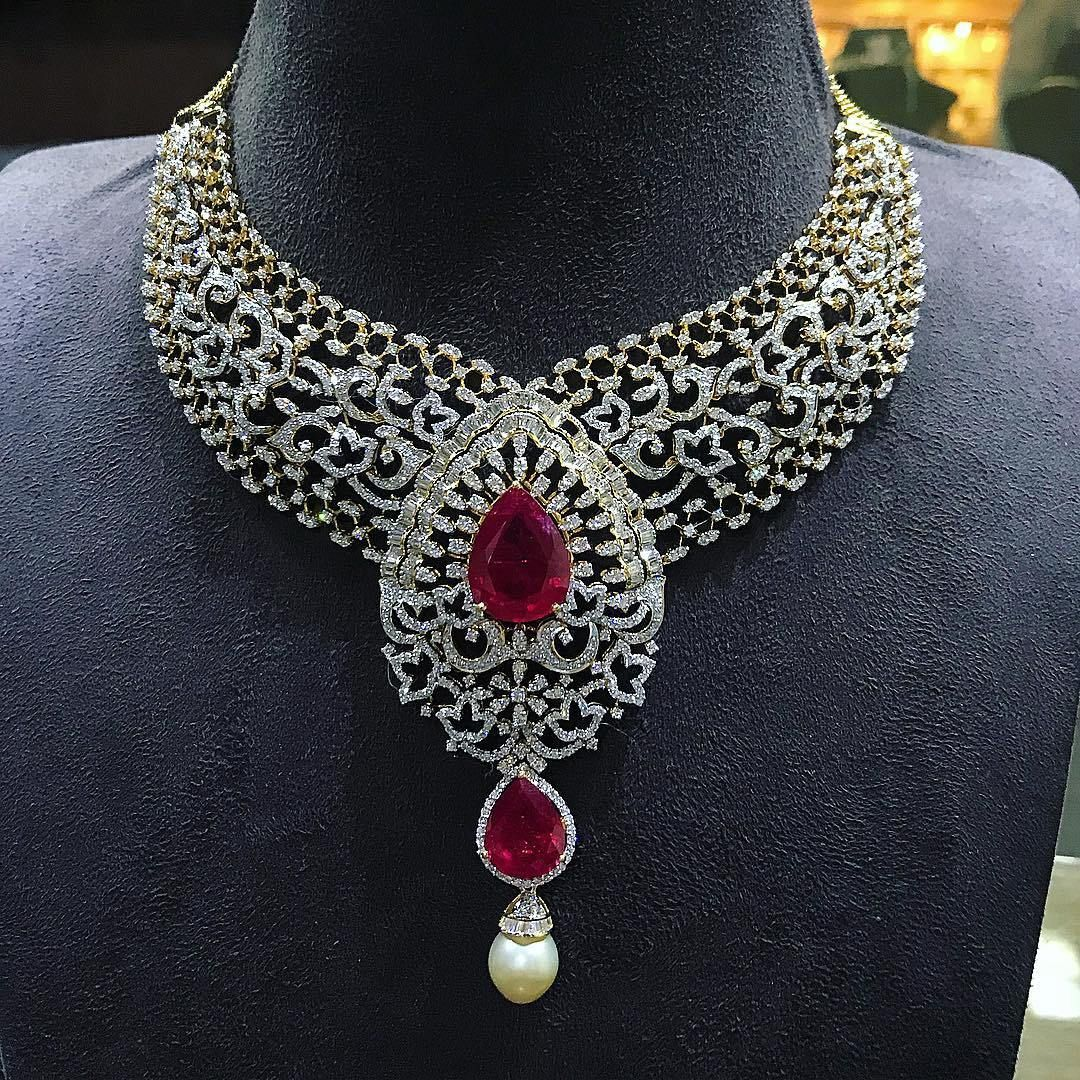Breathtaking Heavy Diamond Necklace Set Designs Necklace