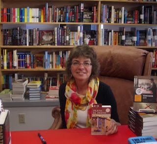 MysteryLoversKitchen.com Seattle Mystery Bookshop -- a beloved indie, terrific Q&A by author @Lesliebudewitz