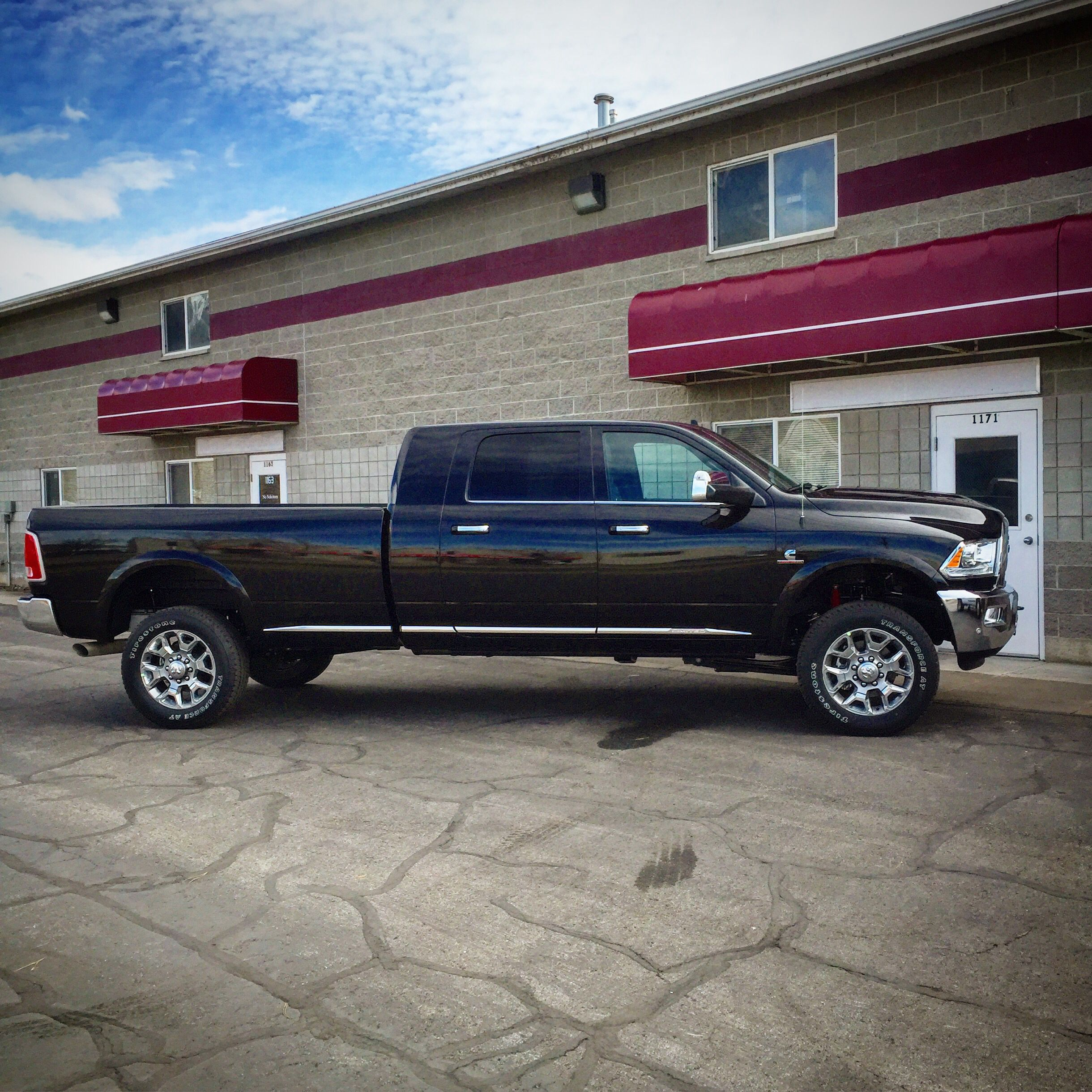 2014 Lifted Ram Mega Cab 2500: Dodge Ram 3500HD Mega Cab Long Bed